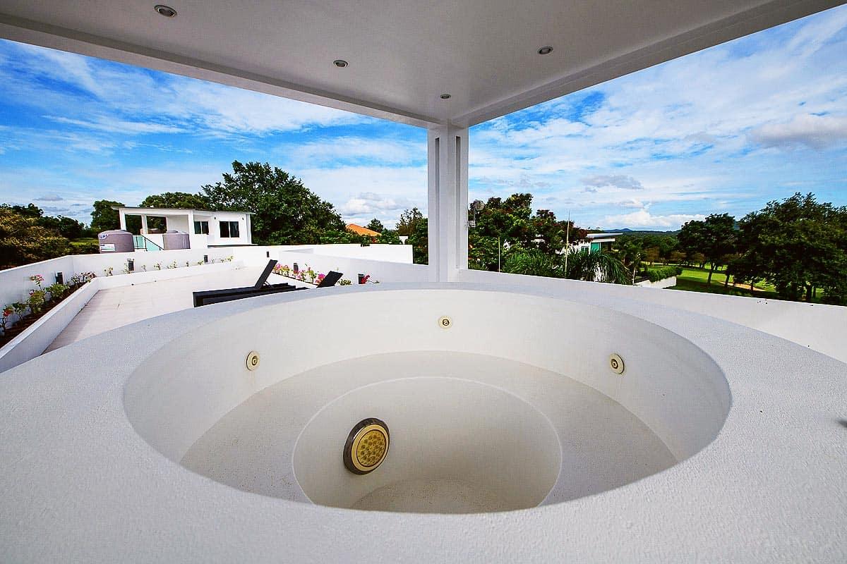 Green View Villa - 5 Bed 4 Bath Villa