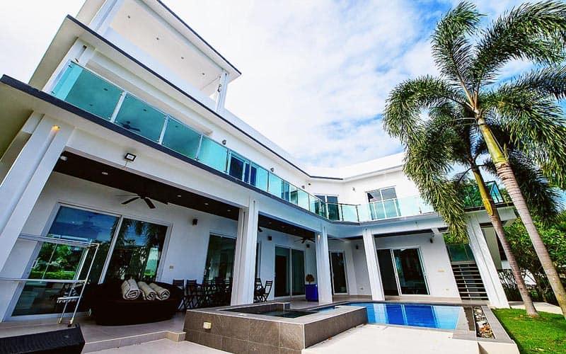 Green View - 5 Bed 4 Bath Villa for Sale