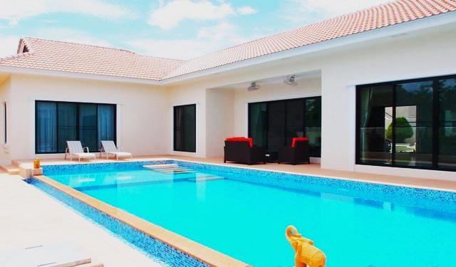 Santa Maria - 4 Bed 4 Bath Villa for Sale
