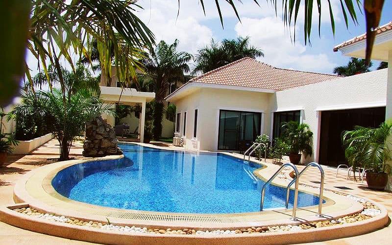 Santa Maria - 5 Bed 6 Bath Villa for Sale