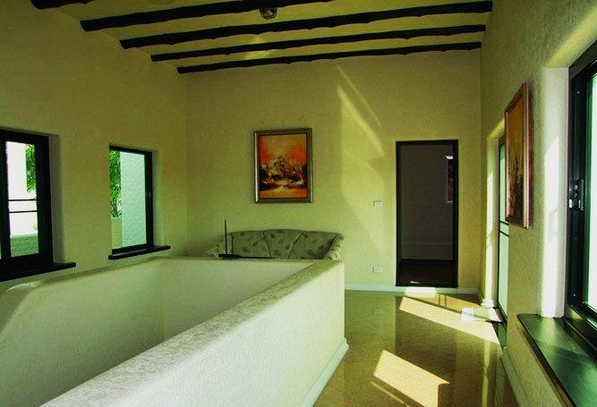 Santa Maria - 4 Bed 5 Bath Villa for Sale
